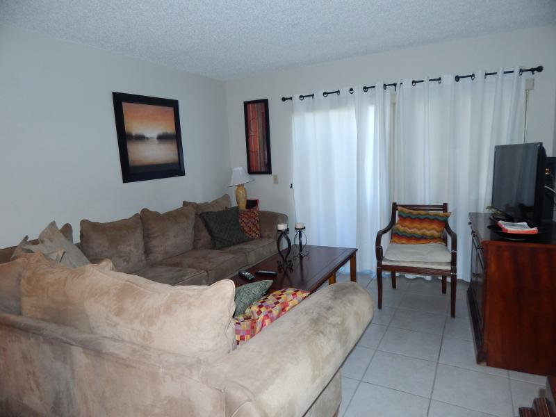 Boca Raton Condo for Rent Carolyn Boinis Real Estate Broker Realty Associates