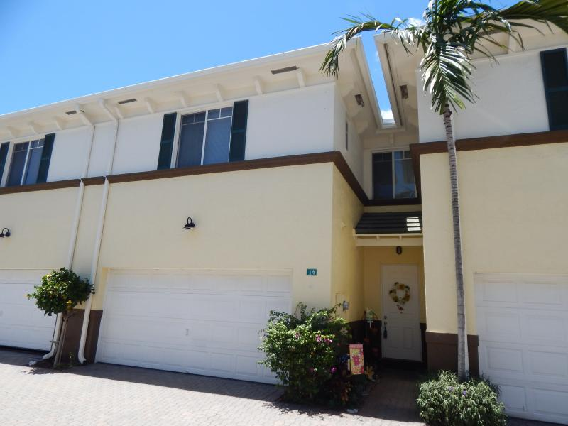 518 N Federal Highway 14, Lake Worth, FL 33460 Townhome for Sale